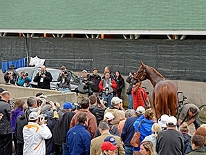 Dortmund Crowd Churchill Downs April 30, 2015.