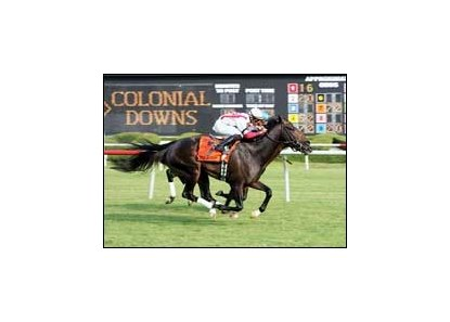"Colonial Turf Cup duelers Summer Doldrums (near) and Strike a Deal will face off again in the Virginia Derby.<br><a target=""blank"" href=""http://www.bloodhorse.com/horse-racing/photo-store?ref=http%3A%2F%2Fpictopia.com%2Fperl%2Fgal%3Fprovider_id%3D368%26ptp_photo_id%3D1456254%26ref%3Dstory"">Order This Photo</a>"