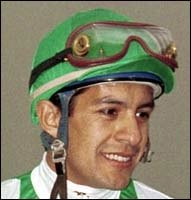 Espinoza Gets Mount on A P Valentine