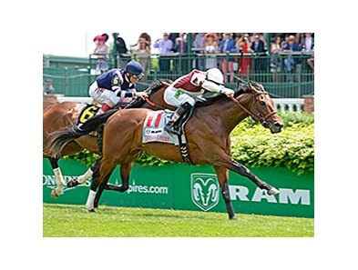 "Divisidero flies late to take the American Turf Stakes.<br><a target=""blank"" href=""http://photos.bloodhorse.com/AtTheRaces-1/At-the-Races-2015/i-zPKqV63"">Order This Photo</a>"