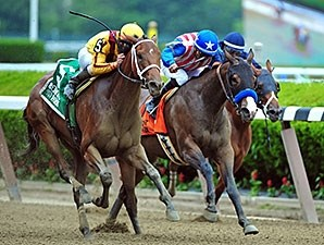 Cavorting wins the 2015 Jersey Girl Stakes