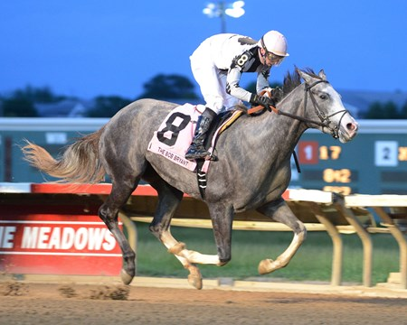 Colerful Bride captures the Bob Bryant Stakes at Prairie Meadows.