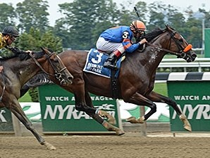 Saratoga Snacks wins the 2015 Saginaw Stakes.