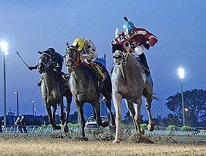Bad Moon wins the 2015 Iowa Stallion Stakes.