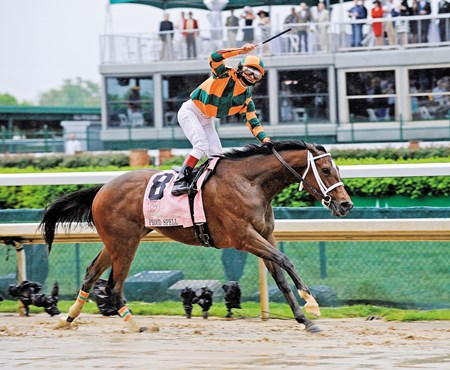 Gabriel Saez celebrates aboard Proud Spell after winning the 2008 Kentucky Oaks (gr. 1).