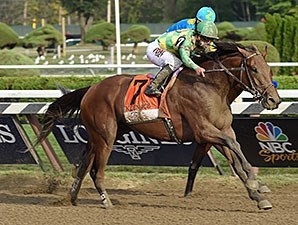 Keen Ice wins the 2015 Travers Stakes.