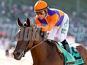 Beholder easily wins the Zenyatta Stakes for the third time Sept. 26