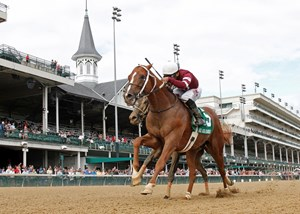 Winchell Thoroughbreds' Tapiture returned to winning form at Churchill Downs, gamely holding off favored Viva Majorca to win the $100,000 Ack Ack Handicap (gr. III).