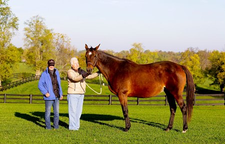 Marty Buckner and Nancy Mitchell with Leslie's Lady at Clarkland Farm