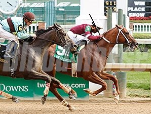 Tapiture wins the 2015 Ack Ack.