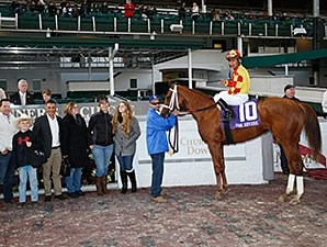 Isabella Sings wins the 2015 Mrs. Revere.