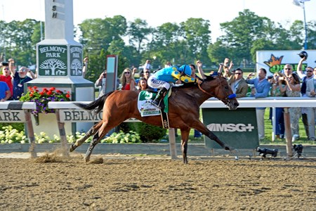 American Pharoah wins the Belmont and becomes a Triple Crown winner.