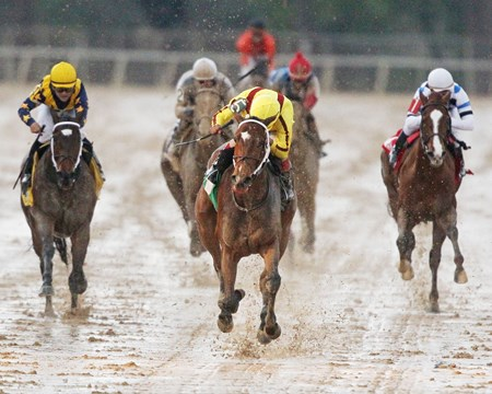 Stepping into a stakes race for the first time proved little challenge for Stonestreet Stables, homebred Terra Promessa, as the daughter of Curlin   drew off in the muddy Oaklawn Park stretch to win the $200,000 Honeybee Stakes (gr. III) by 6 1/2-lengths.