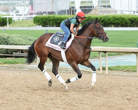Go Maggie Go - Churchill Downs, April 22, 2016