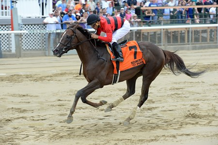 Weekend Hideaway wins the Commentator Stakes May 30, 2016