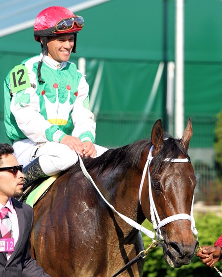 Cathryn Sophia with Javier Castellano after winning the 142nd Running of the Kentucky Oaks at Churchill Downs on May 6, 2016.