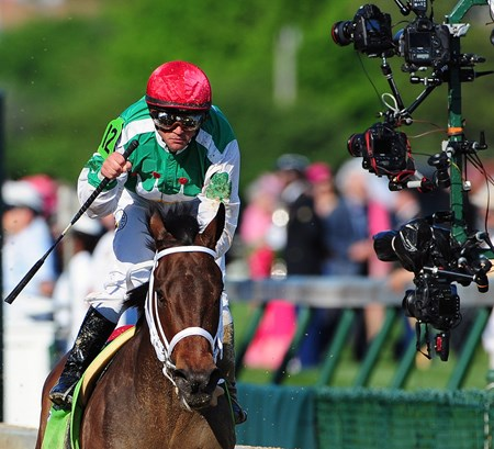 (May 6, 2016) Cash Is Kings Stables Cathryn Sophia, Javier Castellano up, wins the 142nd Running of the Gr.1 Kentucky Oaks at Churchill Downs...