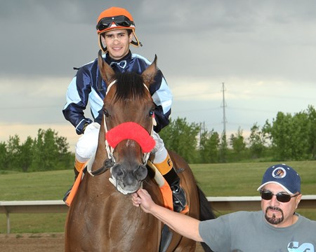 Surf N Ski wins the Arapahoe Park Sprint May 30