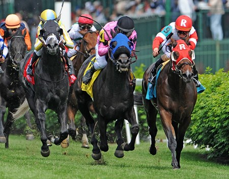 (May 7, 2016) Camelot Kitten (R) Irad Ortiz Jr. up, gets the win over Beach Patrol (#4) in  the American Turf (gr. IIT) at Churchill Downs.