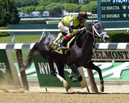 Silver Mission wins the 2016 Tremont Stakes.