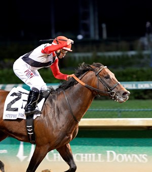 Bradester with Joe Bravo wins the Stephen Foster Handicap (gr. I) at Churchill Downs on June 18, 2016.