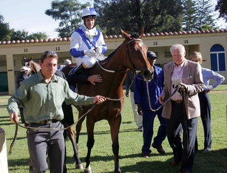 Imperious Star wins the 2010 Sunday Tribune The Umzimkhulu Stakes.