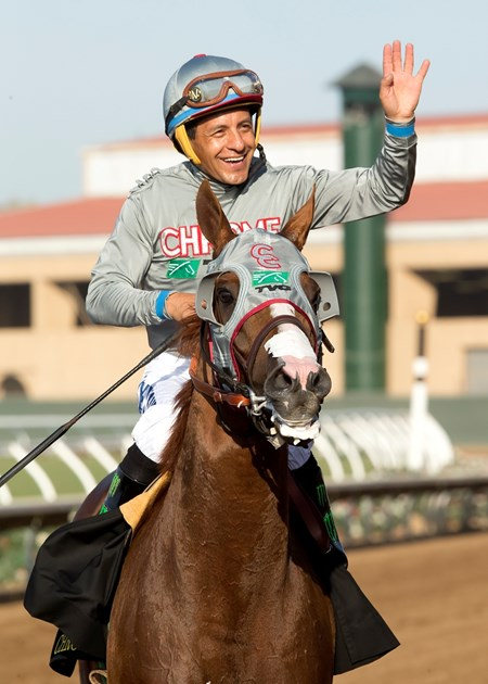 California Chrome wins the 2016 San Diego