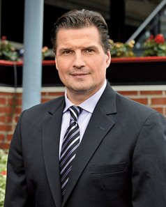 Commentator Olczyk Fights His Way Back From Cancer - BloodHorse