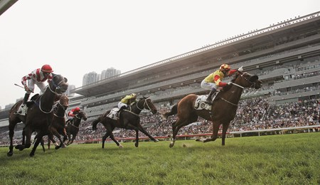 John Moore-trained Charles The Great (No. 3, in red/yellow), ridden by Douglas Whyte, surges past the rest of the field to win the HKG2 Sprint Cup (turf 1200m) at Sha Tin Racecourse today.