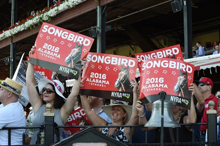 Songbird wins the 2016 Alabama.