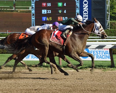 Paola Queen upsets the Test at Saratoga