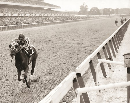 1973: Secretariat wins the Belmont Stakes sweeping the triple crown at Belmont Park.