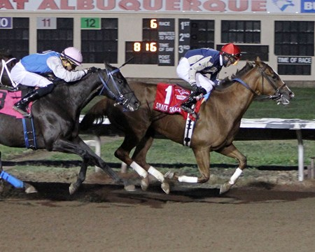 Smack Smack wins the 2016 Downs At Albuquerque Handicap