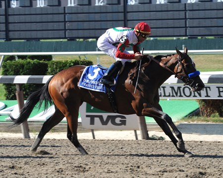 Franny Freud wins the 2016 Prioress at Belmont Park