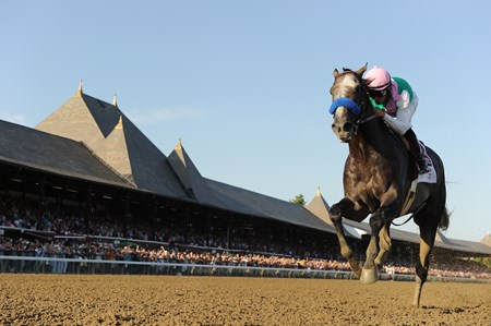 Arrogate wins the 2016 Travers Stakes.
