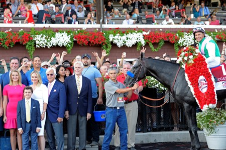 Arrogate with Mike Smith wins the 2016 Travers Stakes