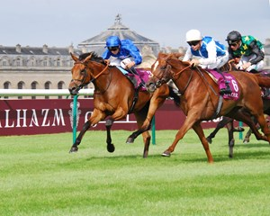 Vadamos (FR) wins the QATAR Prix Vermeille (FR-I) at Chantilly Sept. 11, 2016