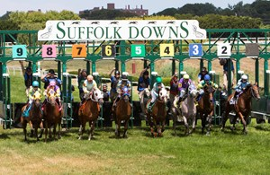 Suffolk Downs plans to race three weekends this year