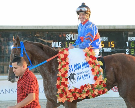 Gunnevera wins the 2016 Delta Downs Jackpot