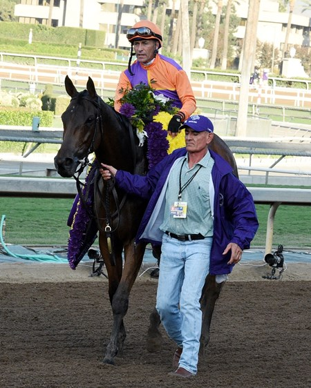 Beholder wins the 2016 Breeders' Cup Distaff