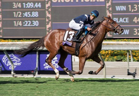 Oscar Performance and Jose Ortiz score a clear victory in Breeders' Cup Juvenile Turf.
