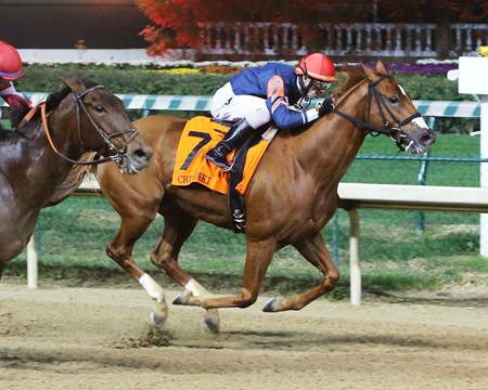 Kiss to Remember wins the 2016 Chilukki Stakes