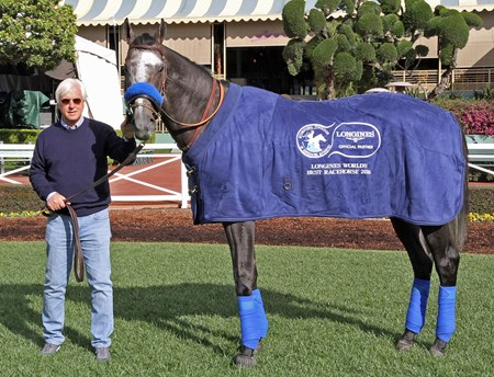 Trainer Bob Baffert poses with Arrogate, the Longines World's Best Racehorse 2016