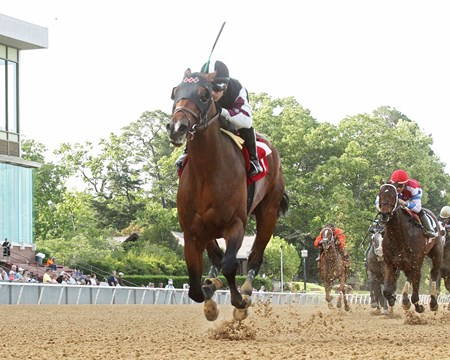 Recruiting Ready wins the 2017 Bachelor Stakes