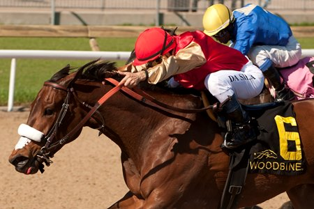 Southern Ring holds off River Maid in the Whimsical April 23