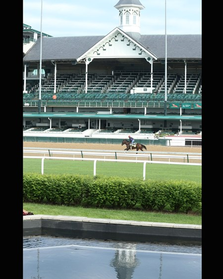 J Boys Echo - Gallop - Churchill Downs - 04-28-17