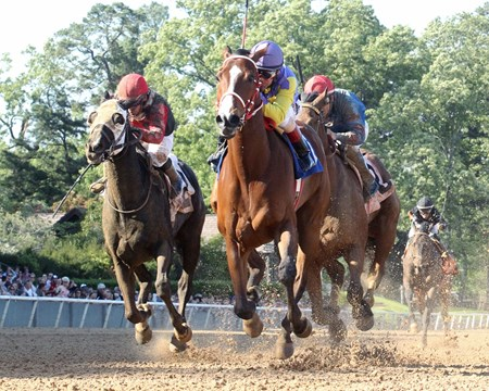 Racer wins the 2017 Arkansas Breeders' Stakes