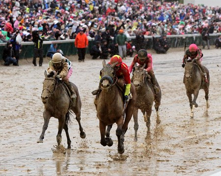 Abel Tasman with Mike Smith win the 143rd Running of the Kentucky Oaks at Churchill Downs on May 5, 2017