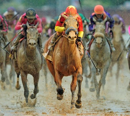 Abel Tasman comes home strong to win the Kentucky Oaks