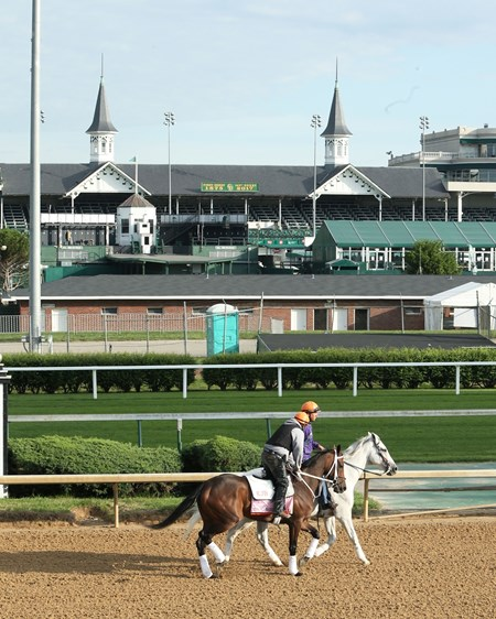 Miss Sky Warrior - Gallop - Churchill Downs - 05-03-17